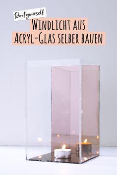 Du suchst eine DIY-Idee für Anfänger? Hier findest du die Anleitung für ein ganz einfaches Windlicht aus geschnittenem Acryl-Glas. Du musst es nur noch zusammen kleben. Viel Spaß beim Bauen und Einrichten!