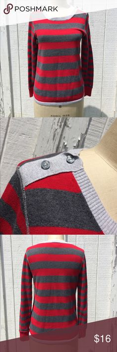 Tommy Hilfiger Scarlett and Gray Sweater Sz M Tommy Hilfiger Scarlett and Gray Sweater Sz M- 100% cotton - has buttons at shoulders. In excellent condition Tommy Hilfiger Sweaters Crew & Scoop Necks
