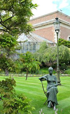The botanical garden of Leuven is the oldest botanical garden in Belgium.