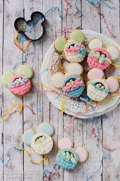 3D Mickey Mouse Easter Cookie Baskets by ©Bakingdom tutorial