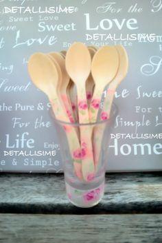 cucharitas de madera decoradas con rayas rosas (11 cms). Ideales para caterings, fiestas, celebraciones, blogs de cocina, repostería. pedidos: detallisime@yahoo.es