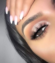 135 hottest eye makeup looks for day and evening , soft glam eye shadow 41 Party Makeup Looks, Makeup Eye Looks, Beautiful Eye Makeup, Wedding Makeup Looks, Cute Makeup, Smokey Eye Makeup, Glam Makeup, Eyeshadow Makeup, Makeup Art