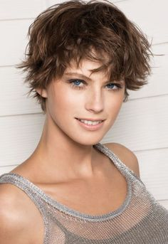 short+hair+cuts+for+fat+women | Feminine short hairstyles 2012: short hair styles by Franck Provost ...