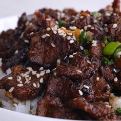 Copycat 30 Minute Mongolian Beef is inspired by PF Chang's Mongolian Beef. Tender flank steak fried and tossed in a thick Asian inspired sauce. Way better than takeout! Serve this Mongolian Beef over rice or stir fry noodles to soak up all of the delicious sauce! Beef Recipes For Dinner, Snack Recipes, Cooking Recipes, Healthy Recipes, Healthy Meals, Pasta Recipes, Healthy Food, Mongolian Beef Recipe Pf Changs, Mongolian Beef Recipes