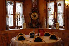 Stimmungsvolles Ambiente in der Weihnachtszeit im Restaurant in München Süd - Festliche Genüsse für eine festliche Feier – stimmungsvolles Ambiente in einem der gemütlichen Restaurants in München Süd. Zauberhafte Menüs für eine unvergessliche Weihnachtsfeier stehen für Sie zur Auswahl, jedes für sich ein kleines Meisterwerk.