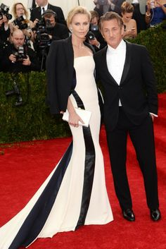 Charlize Theron in Dior Couture http://uk.bazaar.com/1j4pzKV