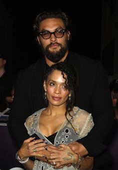 "Jason Momoa the ""Game of Thones"" actor married the ""Cosby Show"" actress Lisa Bonet when he was 34 and she was Famous Couples, Famous Men, Couples In Love, Black Couples, Kino Theater, Jason Momoa Lisa Bonet, The Cosby Show, Lenny Kravitz, Man Photo"