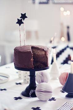 butiksofie: Spekulatius-Schokoladen-Cranberry-Weihnachtstorte und es weihnachtet schon...