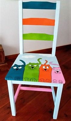 Upcycled furniture diy ideas chairs 46 Ideas for 2019 Whimsical Painted Furniture, Hand Painted Chairs, Hand Painted Furniture, Funky Furniture, Recycled Furniture, Paint Furniture, Furniture Makeover, Furniture Ideas, Furniture Dolly