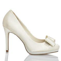 Zapato de novia en satín de Menbur (ref. 5671) Satin bridal shoes by