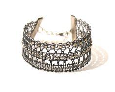fr_bracelet_manchette_en_dentelle_coloris_gris_anthracite_argent_