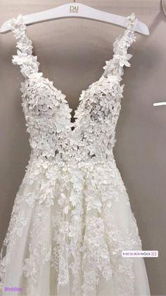 Hochzeitskleid Wedding dress, dress Wedding Flowers - The Ultimate Decoration Flowers add c Dream Wedding Dresses, Bridal Dresses, Prom Dresses, Formal Dresses, Wedding Shoes, Formal Prom, Wedding Rings, Mermaid Dresses, Gown Wedding