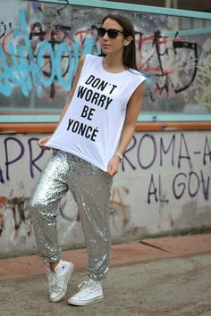pantaloni paillettes - how to wear sequins for the day