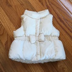 Gap infant insulated vest! Smoke and pet free home no rips pulls stains etc. hardly worn! 0-6 months! GAP Jackets & Coats Vests