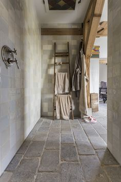 Chalet Design, House Design, Hill Country Homes, Limestone Flooring, Bath Tiles, Bathroom Interior, Bed And Breakfast, Home And Living, Tile Floor