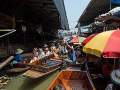 Il mercato galleggiante di Damnoen Saduak, Thailandia  #giruland #diario #viaggio #diariodiviaggio #raccontare #scoprire #condividere #turismo #blog #travelblog #fashiontravel #foodtravel #matrimonio #nozze #lowcost #risparmio #trekking #panorama #bike #thailandia #mercato #galleggiante