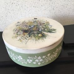 Decoupage Box, Decoupage Vintage, Hat Boxes, Painting On Wood, Stencils, Diy And Crafts, Decorative Boxes, Hand Painted, House Design