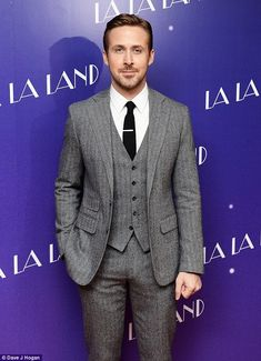 Star: He oozed hunkiness while gracing the red carpet ...