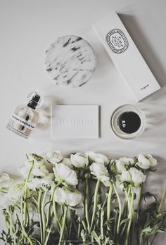 Flatlay Inspiration · via Custom Scene Spring beauty flat-lay Fall Inspiration, Flat Lay Inspiration, Flat Lay Photos, Flat Lay Photography, Coffee Photography, Product Photography, Web Design, Flatlay Styling, Prop Styling