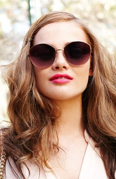 Bright lips & sunglasses. Summertime!
