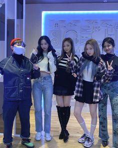Black Mamba, Kpop Girl Groups, Korean Girl Groups, Kpop Girls, Korean Best Friends, Jennie Blackpink, Girl Bands, Ulzzang Girl, New Girl
