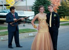 17 Hilarious Prom Photos That Will Make You Glad You're Done With High School - Minq.com