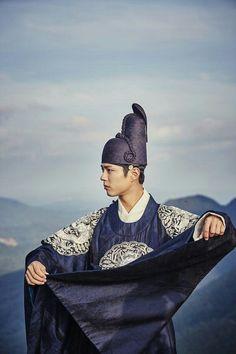 OMG, Prince' sleeve with wind _Korean tv drama 구르미그린달빛 2016