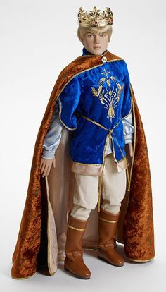 Peter of Narnia, Coronation Outfit. For my boy's next book week outfit?