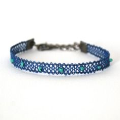 """Bracelet en dentelle aux fuseaux  """"mini"""" coloris marine/turquoise"""