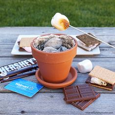 DIY Mini Fire Pit for S'mores with 3 S'more Flavor Combinations! DIY Mini Fire Pit for S'mores with 3 S'more Flavor Combinations! Indoor Camping, Backyard Camping, Fire Pit Backyard, Backyard Seating, Backyard Landscaping, Backyard Ideas, Indoor Smores, Garden Ideas, Gazebo Ideas