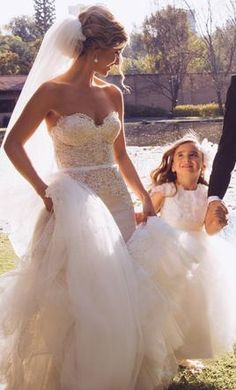 Great Inbal Dror VIP Size Used Wedding Dresses