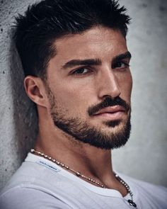 Mariano Di Vaio 📷 by Beard Styles For Men, Hair And Beard Styles, Beautiful Men Faces, Gorgeous Men, Short Beard, Look Man, Photography Poses For Men, Beard Grooming, Handsome Faces