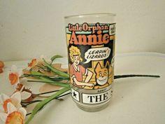 1976 New York News THE SUNDAY FUNNIES Little Orphan Annie Glass Libbey Hi-Ball