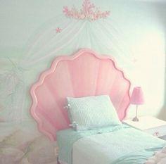 いつでも可愛い空間にいたいのは女の子の憧れ!自分の部屋をもっと好きになるにはまずベッドメイキングから始めてみませんか?