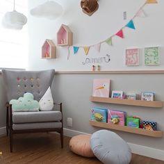 """656 curtidas, 16 comentários - @natocadesign no Instagram: """"Cinza para quarto da menina. A arquiteta @_crispassos_ cobriu metade da parede com a cor, até  o…"""""""