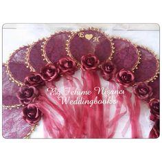 Kına tefleri Engagement Ring Platter, Wedding Centerpieces, Wedding Decorations, Trousseau Packing, Henna Night, Hand Embroidery Art, Desi Wedding, Handfasting, Boutique Design