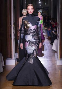 Valentino - Haute Couture Spring/Summer 2020 - Look 44