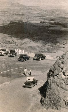 1930s Old Pali Lookout Credit: Vintage Hawaiʻi