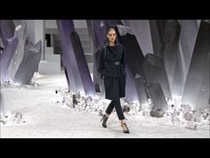 Chanel Fall-Winter 2012/13 Ready-to-Wear show Trailer (awesome)