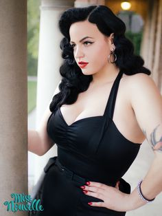 Darla Dress Wiggle Dress Black LBD Little Black Dress Mid Century Modern Vintage Inspired Pinup Clothing Retro Rockabilly Made in the USA Curvy Girl Lingerie, Curvy Girl Fashion, Rockabilly Pin Up, Rockabilly Fashion, Rockabilly Makeup, Curvy Pin Up, Pernas Sexy, Pin Up Outfits, Wiggle Dress