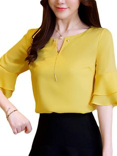 Middle East Chiffon Solid Color Bell Sleeve O-neck T-shirt look not only special, but also they always show ladies' glamour perfectly and bring surprise. Blouse Styles, Blouse Designs, New Outfits, Fashion Outfits, Mix Match Outfits, Indian Fashion Dresses, Pants For Women, Clothes For Women, Blouse Dress