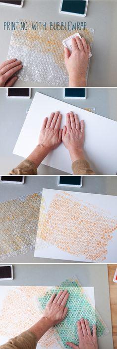 Use bubblewrap to make printed Back to School book covers #DIY #creativebug