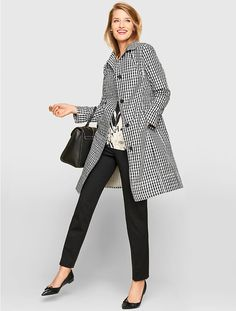 Our favorite jacket in a traditional, black-and-white gingham print. Clean and simple with a streamlined look, this essential layer is the perfect combination of practical and polished with its flattering fit, eye-catching finish and water-resistant properties.