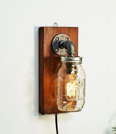 Mason Jar sconce lamp/Rustic home decor/Sconce lamp/Industrial lamp/Steampunk light/housewarming gift/gift for men/Bedside lamp/Rustic decor Bedside Lamps Rustic, Antique Lamps, Vintage Lamps, Mason Jars, Mason Jar Sconce, Lampe Edison, Lampe Steampunk, Deco Luminaire, Pipe Lamp