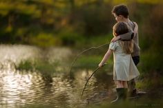 fishing at the pond. fishing at the pond. Children Photography, Family Photography, Photography Poses, Outdoor Sibling Photography, Family Portraits, Family Photos, Sibling Photo Shoots, Pond Life, Fishing Pictures