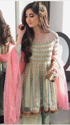 Shadi Dresses, Pakistani Formal Dresses, Pakistani Dress Design, Pakistani Outfits, Designer Party Wear Dresses, Kurti Designs Party Wear, Frock Fashion, Women's Fashion Dresses, Indian Wedding Outfits