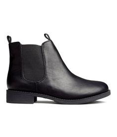 7. Chelsea boots / Sztyblety czarne