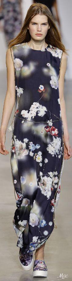 Spring 2016 Ready-to-Wear Calvin Klein Collection