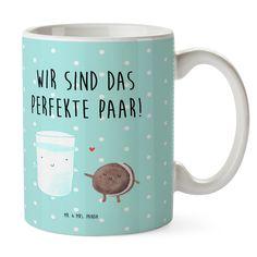 Kunststoff Tasse Milch & Keks aus Kunststoff  Weiß - Das Original von Mr. & Mrs. Panda.  Unsere Kunststoff Tasse sind einfach perfekt für Kinder oder für deinen nächsten Ausflug - wir empfehlen die Handwäsche für dieses besondere Produkte. Unsere bruchfesten Tassen haben eine Höhe von 90 mm und eine Breite von 80mm.    Über unser Motiv Milch & Keks  Milch & Keks ist ein ganz besonders liebevolles Motiv aus der Reihe von Mr. & Mrs. Panda    Verwendete Materialien      Über Mr. & Mrs. Panda…