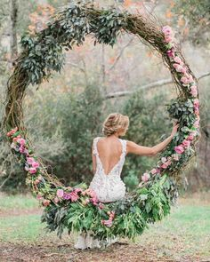 We are in floral hoop HEAVEN over here as we gaze at these fun wedding decor and flower ideas. This wedding trend is here to stay, and the oversized floral hoop swing pictured here is the proof in the pudding! #ruffledblog